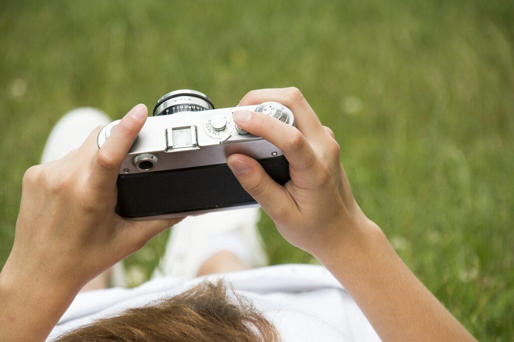 طريقة الربح من بيع الصور ، طرق ربح المال من إلتقاط الصور 2022